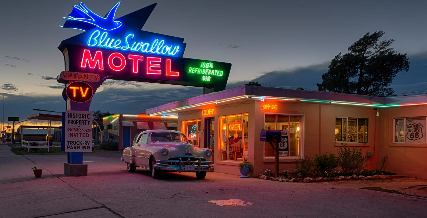 Blue Swallow Motel Route 66 fly drive