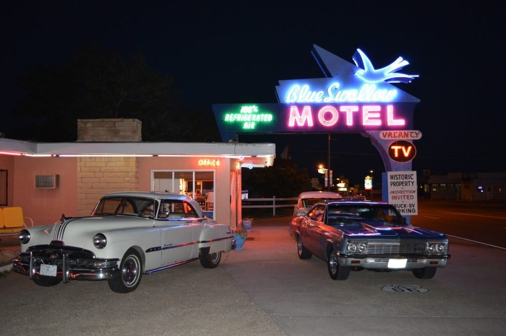 Blue Swallow Motel, Route 66
