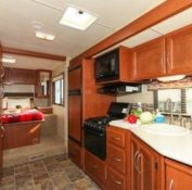 fraserway-a-luxury-motorhome-inside