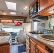 c-medium-motorhome-interior-3_lg