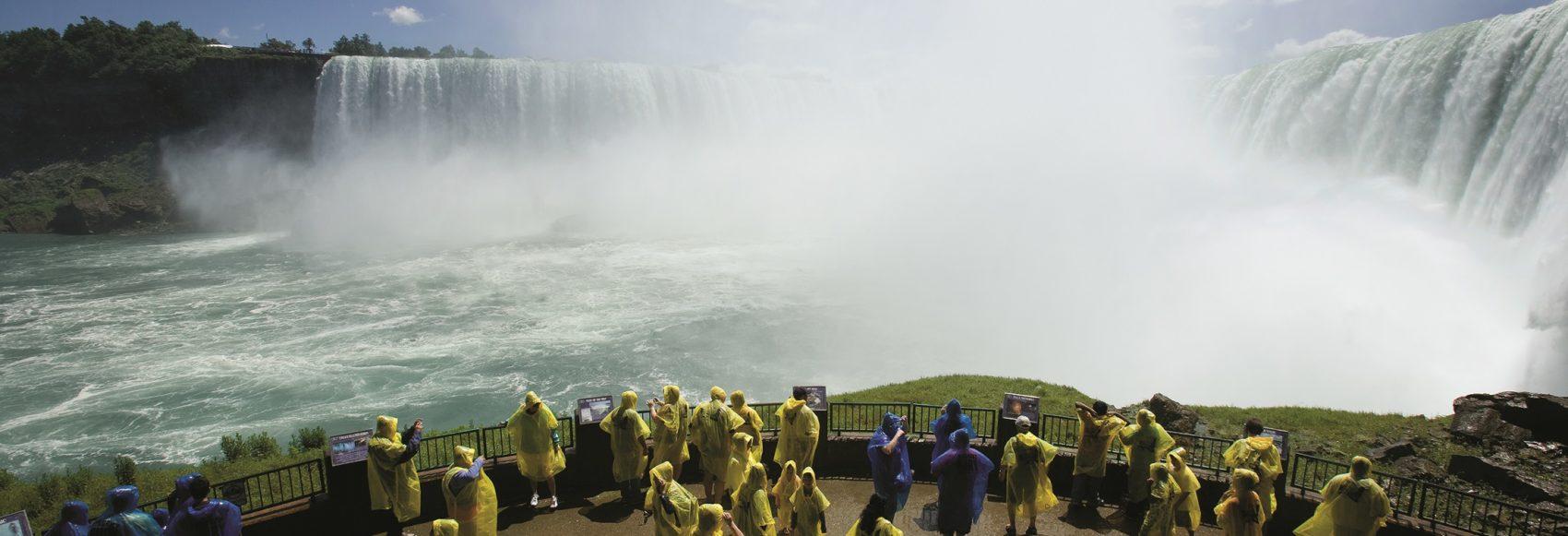 Niagara Falls Escorted Coach Tour, Ontario