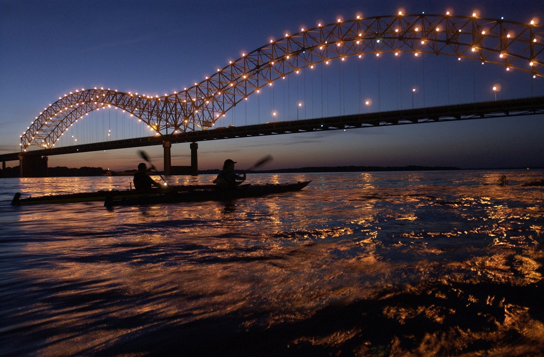Hernando de Soto bridge, Memphis