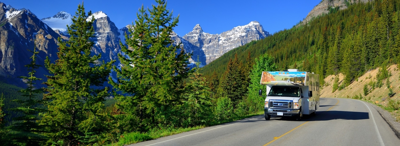 Large motorhomes rental in Canada