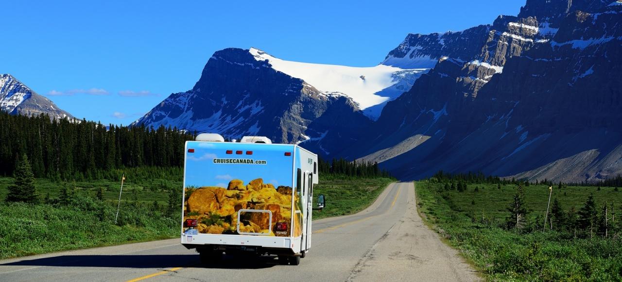 Medium Motorhome Rental Canada Complete North America