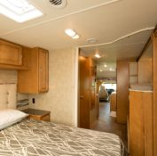 Star RV Cygnus bed