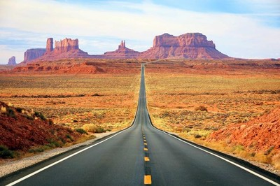 Road leading to Monument Valley, Utah