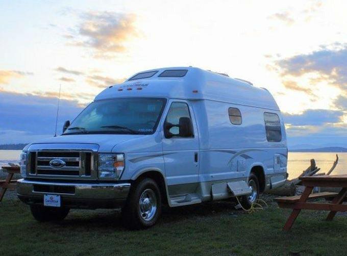 Canadream Deluxe Camper Van